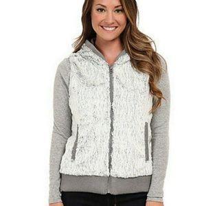 Patagonia Conejo Fleece Hooded Vest in Gray Size Medium
